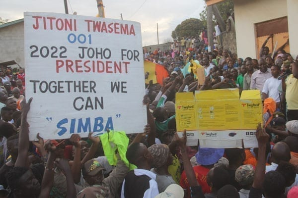 Residents of Aldina in Mikindani show their support for Mombasa Governor Hassan Joho on September 29, 2016.
