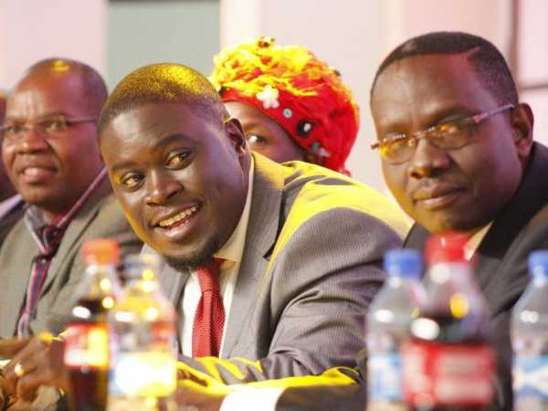 Former TNA chairman Johnson Sakaja and secretary general Onyango Oloo when the party was dissolved to form the Jubilee Party at the Kasarani Stadium on September 9 / MONICAH MWANGI