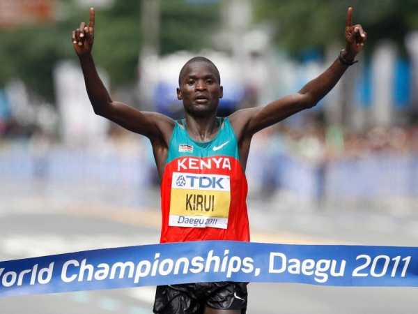 Abel Kirui celebrates winning the men's marathon at the IAAF World Athletics Championships in Daegu, September 4, 2011. REUTERS