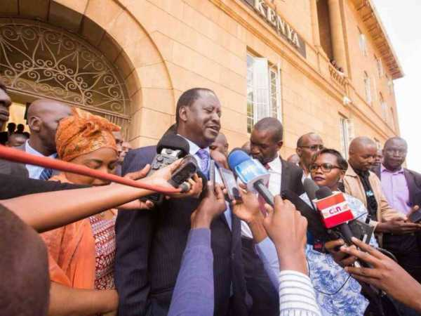 Opposition leader Raila Odinga addresses journalists outside the Supreme Court in Nairobi following a ruling for the release of seven doctors' union officials from prison, February 15, 2017. /COURTESY