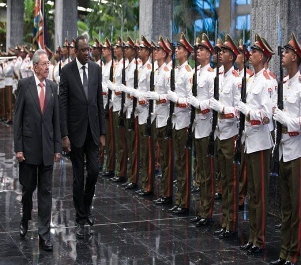 VIDEO: Uhuru Received with FULL MILITARY HONORS in Cuban