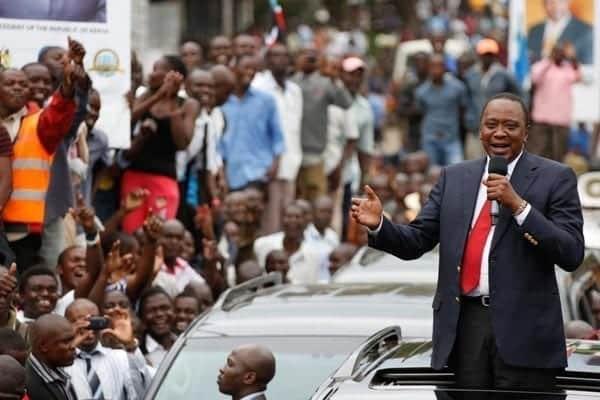 President Uhuru Kenyatta speaks to residents of