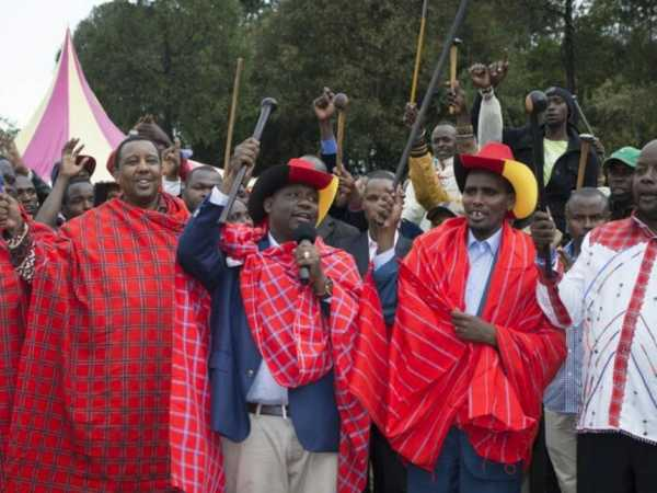 Narok Governor Samuel with a contingent of Maasai leaders. The Maasai community has endorsed President Uhuru Kenyatta re-election and pledged to support Jubilee Party. /KIPLANG'AT KIRUI.