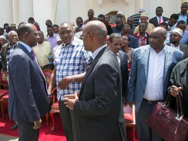 President Uhuru Kenyatta when he met a delegation of Marsabit leaders led by Governor Ukur Yattani at State House, Tuesday, March 14, 2017. /PSCU