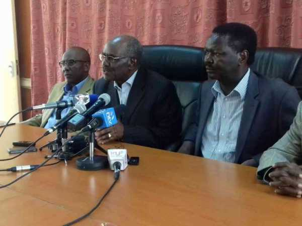 Minority leader Francis Nyenze accompanied by other Kamba leaders during a media briefing on Friday, April 28. COURTESY