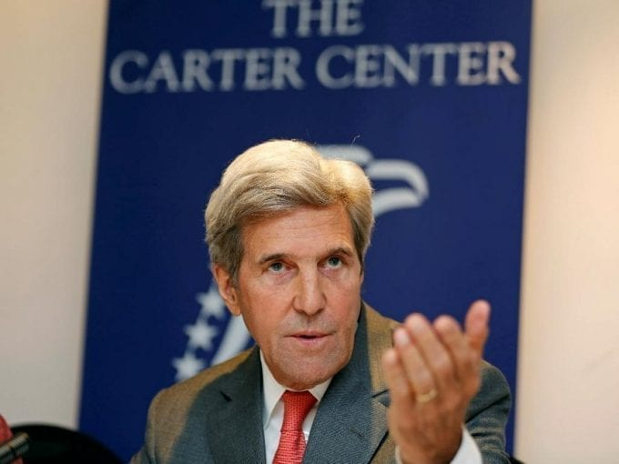 Former US Secretary of State John Kerry, who is a co-leader of the Carter Center's election observation mission in Kenya, gestures during a news conference in Nairobi, August 7, 2017. /REUTERS